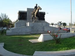Estanislao López estatua