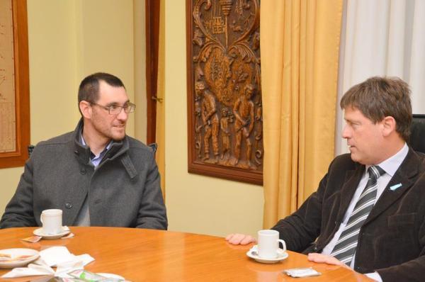 Con el intendente doctor Carlos Briner.